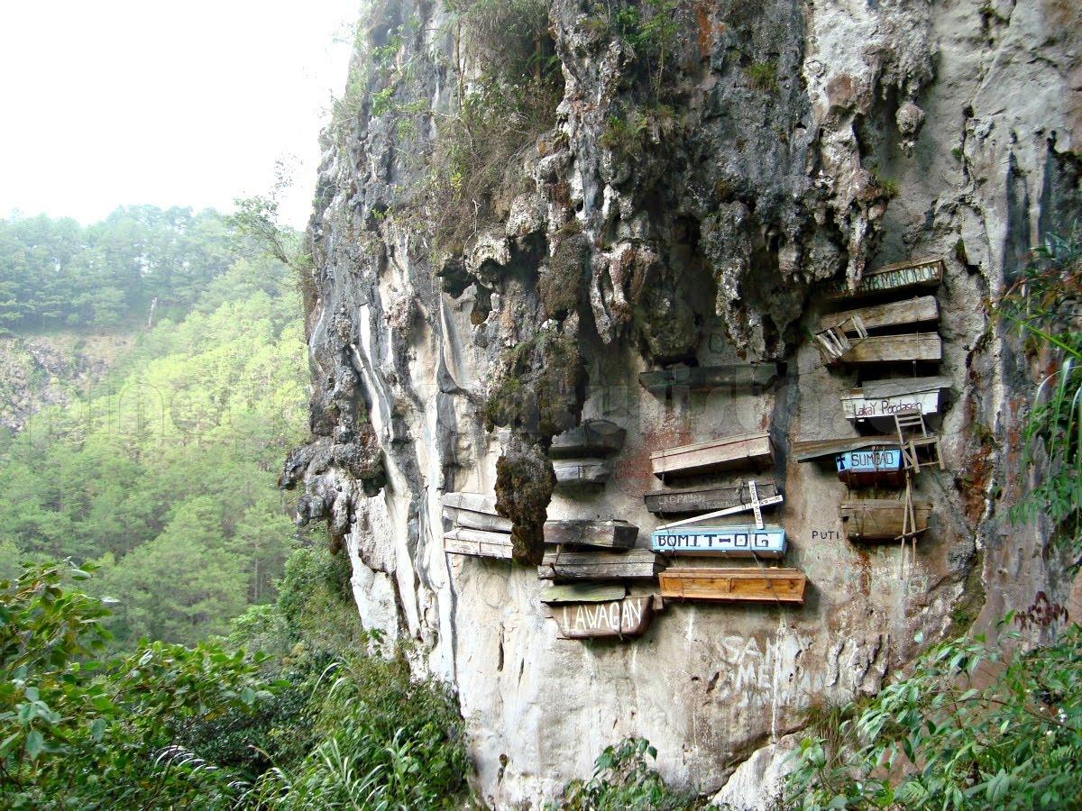 Sagada huler, historie og de hængende kister