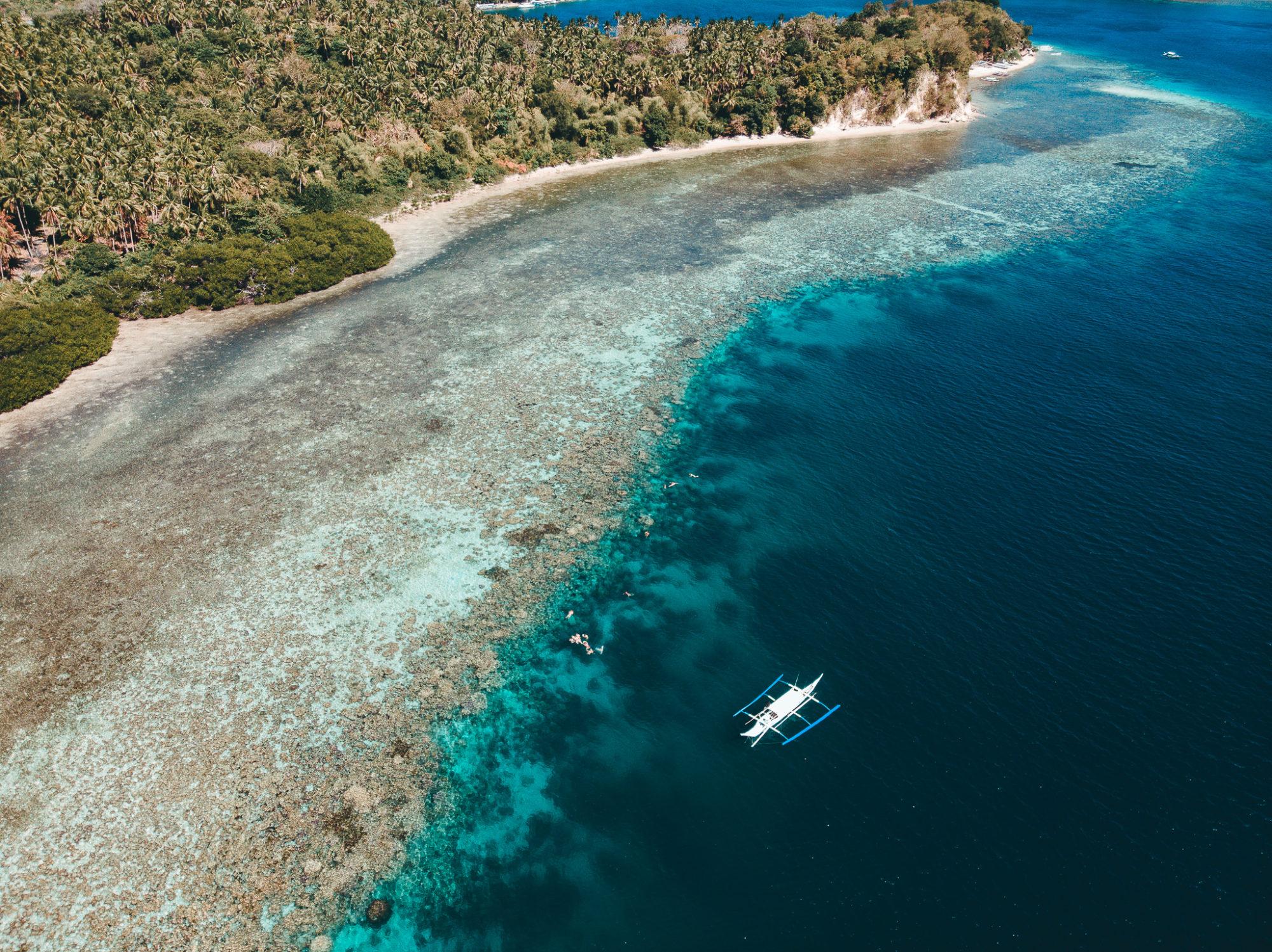 En dejlig tur på havet hvor vi griller på stranden og får det bedste ud af dagen i sabang og puerto galera