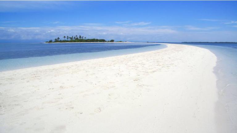 på din rejse til filippinerne anbefaler vi bohol. her kan man komme på en fantastisk tur til virgin island
