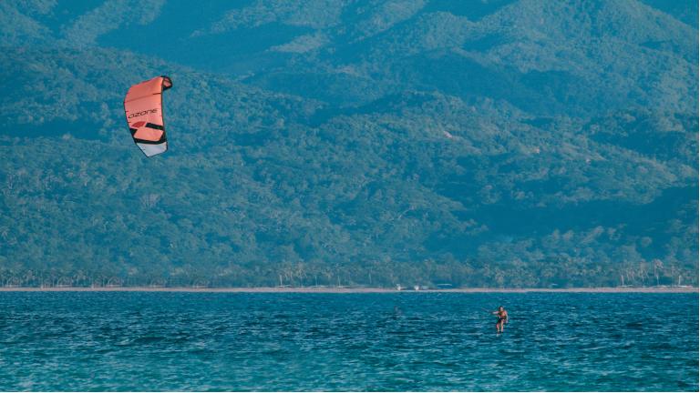 boracay det bedste sted i verden at kite surfe. rejse med os og få hjælp til et unikt set up